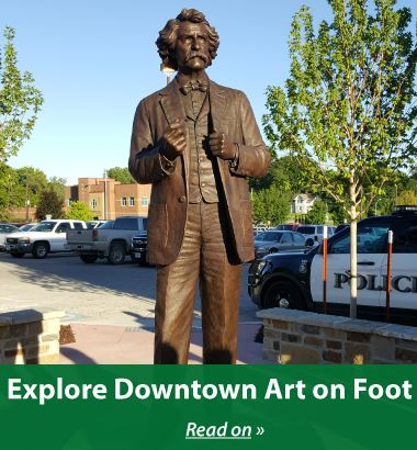 Explore-Downtown-Art-on-Foot