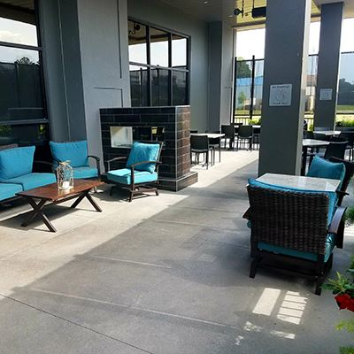 Patio at Johnnie's Jazz Bar and Grille